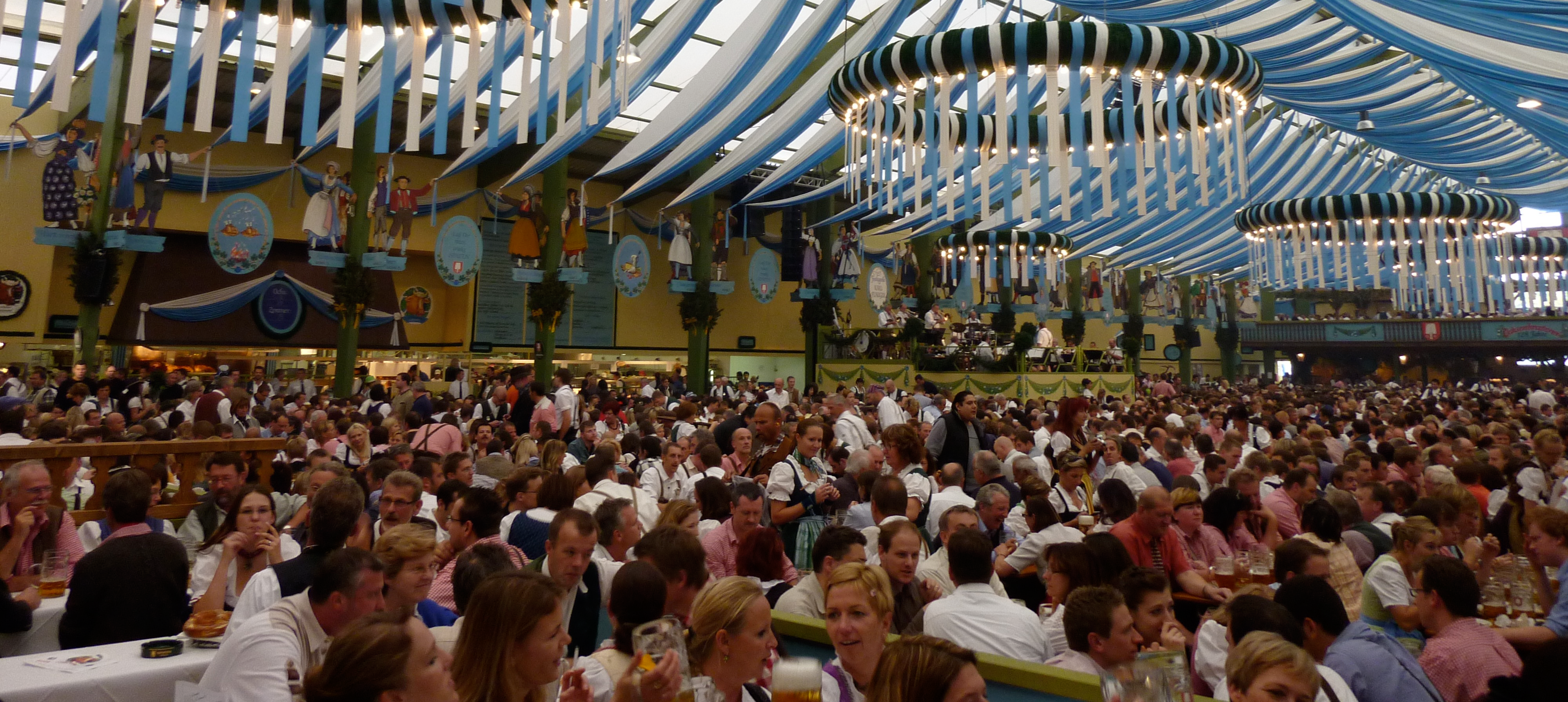 A Brief History of Oktoberfest Beer
